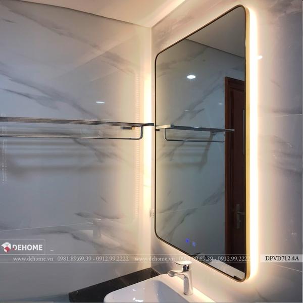 Gương phòng tắm đèn led khung mạ PVD màu vàng cao cấp Dehome - DPVD712.4A